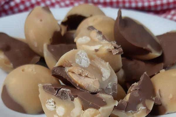 Süße Keto Schlemmereien - Fettbomben - cover